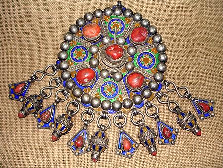 Amazigh - L'art du bijou Amazigh de Kabylie Pt20650