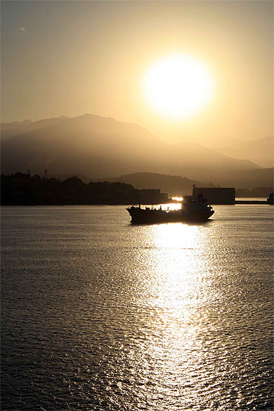 Ajaccio le matin sur l'embarcadère © gaëlle arnaud ( 51 photos )