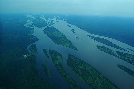 Imposant fleuve congo © charlélie coutinho ( 533 photos )