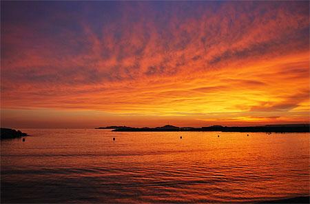 Fire plages mer coucher de soleil plages du prado et quartiers sud marseille - Coucher du soleil marseille ...