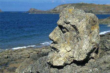 Les rochers sculptés à Rothéneuf....