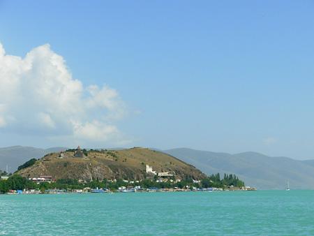 Arménie, Le plus grand lac du pays, le lac Sévan, agonise