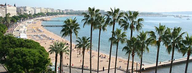 La Côte d'Azur fait son cinéma. Photo : La Croisette à Cannes © Pierre Behar / CRT Riviera Côte d'Azur
