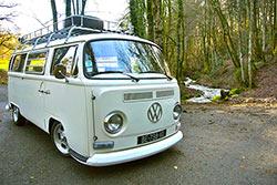 Dormir dans un combi Volkswagen © Combi des Alpes