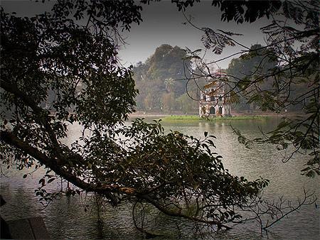 Lac Hoàn Kiêm © Thanh T. Nguyen