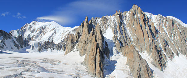 Les sommets mythiques. Photo : Mont-Blanc. Denise Mayumi - Flickr - CC BY 2.0