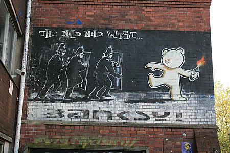 Banksy Street Art Bristol - KylaBorg / Flickr / CC BY 2.0