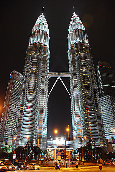 Petronas Towers © Lise Rolland