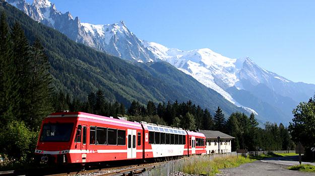 Les trains touristiques en France Photo : Mont Blanc Express © Philippe Mirville