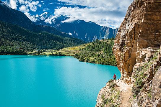 Les eaux turquoises du lac Phoksundo © Jocelyn Chavy