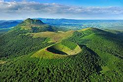 Chaine des Puys © Comité Régional de Développement Touristique d'Auvergne - Joël Damase