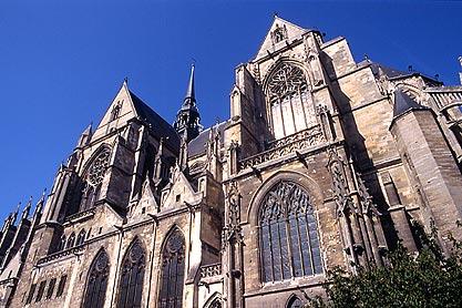 La basilique de Saint-Quentin.
